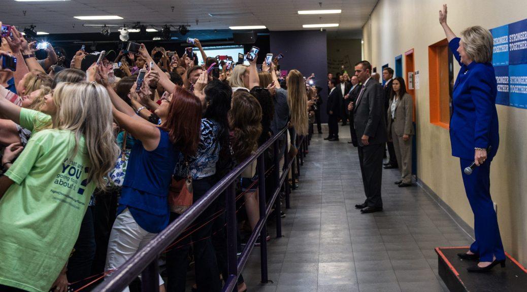 hillary_clinton_rally_selfie
